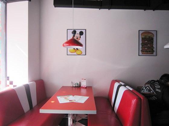 Ресторан Бург-хаус - фотография 2 - Ресторан Бург Хаус