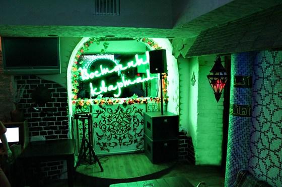 Ресторан Восточный квартал - фотография 3 - живая музыка