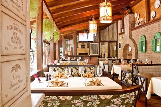 Ресторан Фрателли - фотография 2 - летняя терраса