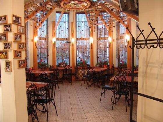 Ресторан Пиццамания - фотография 1 - Верхний зал