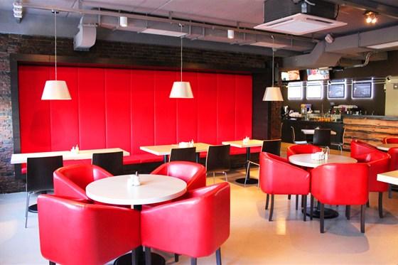 Ресторан Маруся - фотография 5 - вид со стороны  ди-джейского пульта