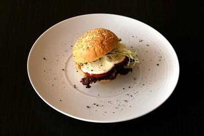 Ресторан Персона - фотография 15 - Сандвич