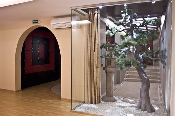Ресторан Хитоми - фотография 2 - Вход