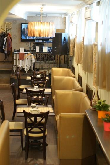 Ресторан Моцарт - фотография 10 - зал для курящих