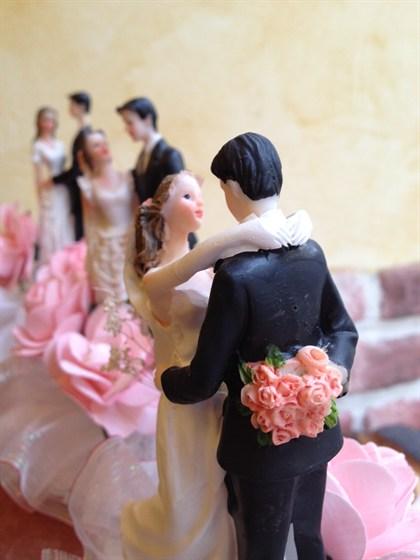 Ресторан Garçon - фотография 3 - Фигурки для свадебных тортов