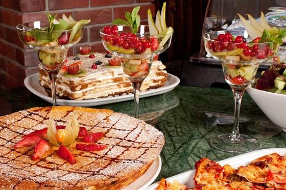 Ресторан Plaza - фотография 8 - Незабываемый завтрак в ресторане Plaza