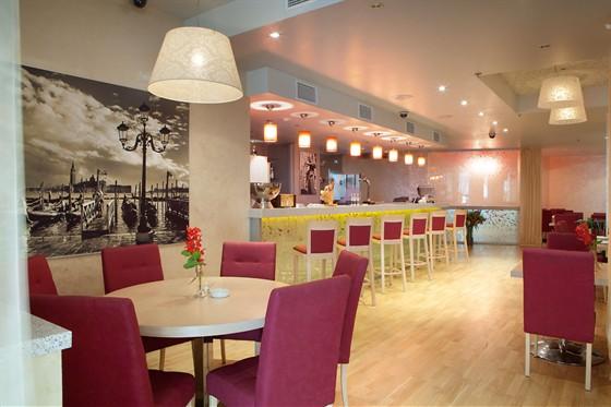 Ресторан Ардженто - фотография 7 - Кафе Ардженто Зона ресторана