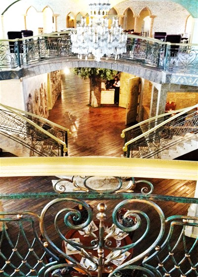 Ресторан Генацвале-сити - фотография 1 - Основной зал