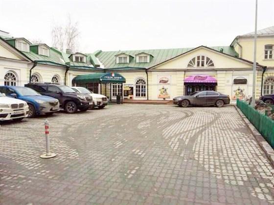 Ресторан Гриль-хофф - фотография 11 - Гриль Хофф заботится о своих посетителях и обращает Ваше внимание, что у нас есть парковка специально для гостей ресторана!