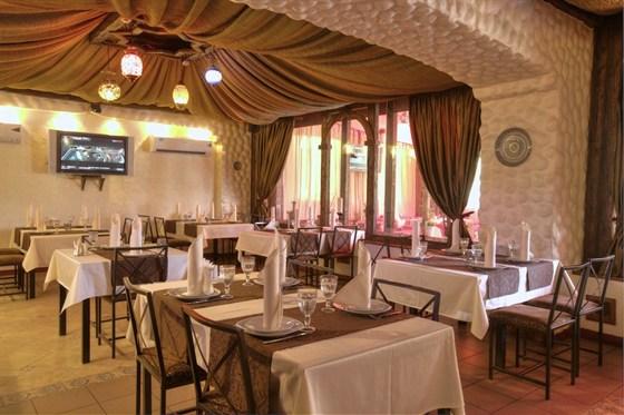 Ресторан Маленький Мук - фотография 1 - основной зал