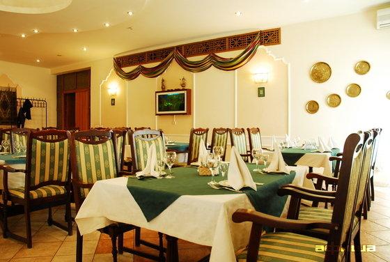 Ресторан Ресторан при посольстве Узбекистана - фотография 2