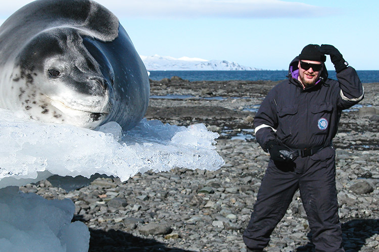 Попасть работу антарктиду