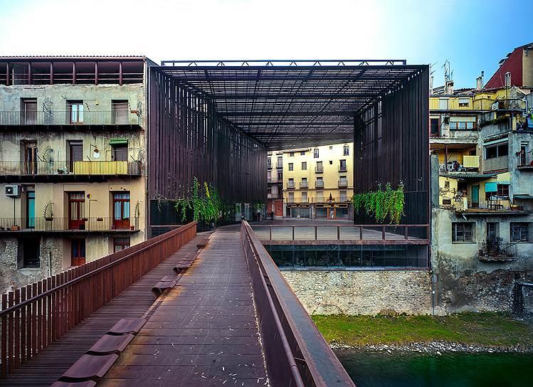 Общественный театр «Ла-Лира» вРиполе