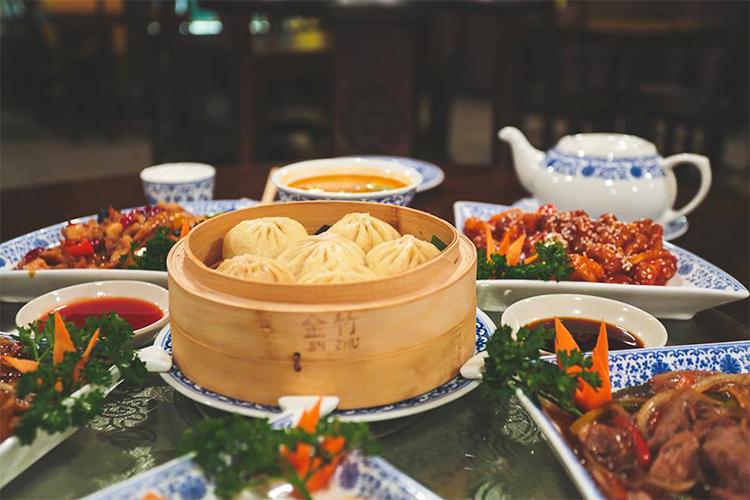 «Крымская кухня», переезд Sparkling Dog и китайская еда в «Фу сяне»