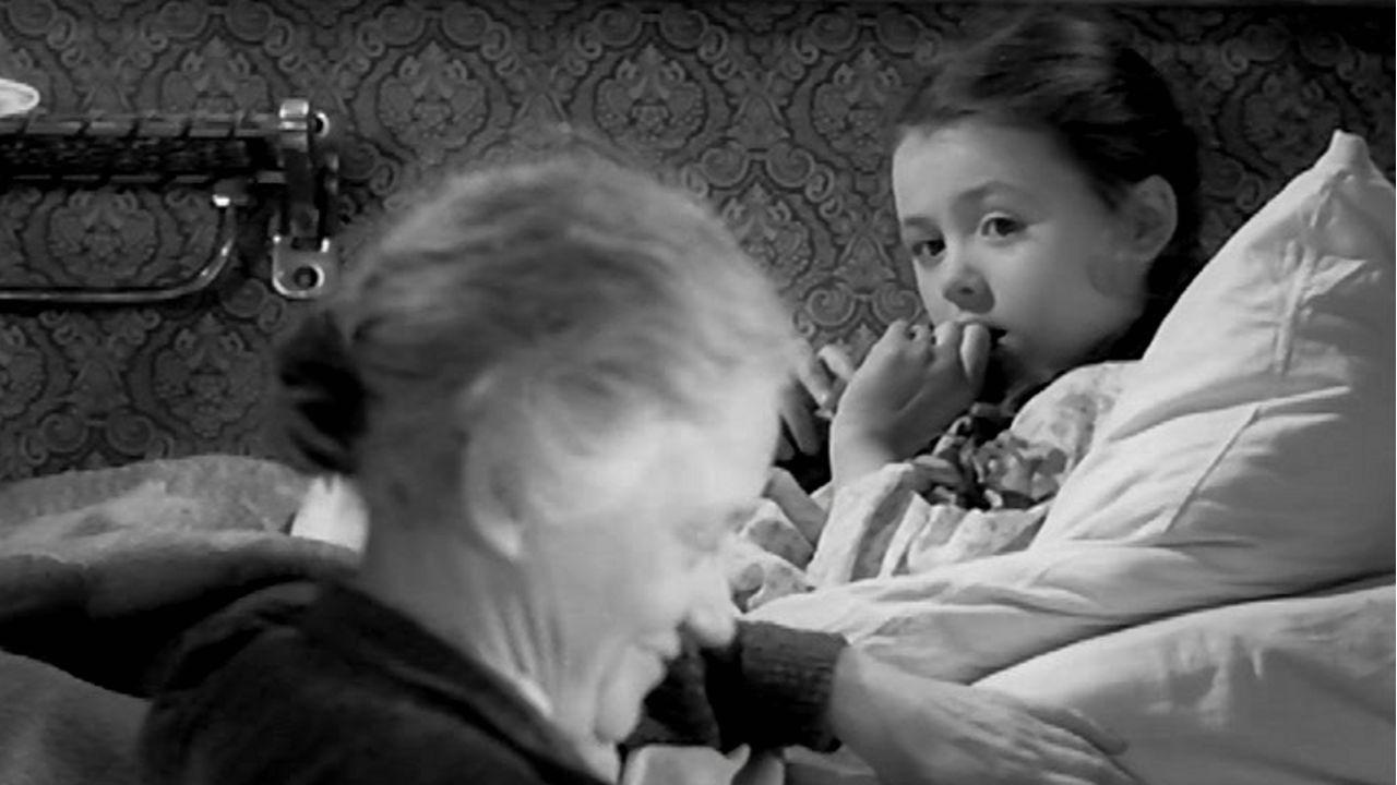 Алеша Птицын вырабатывает характер смотреть фото