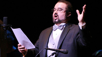 Три солиста театра «Метрополитен-опера» (США, тенора): Рауль Мело,Адам Клейн, Адам Хершкович