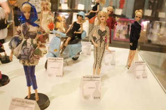 Barbie и ее аксессуары