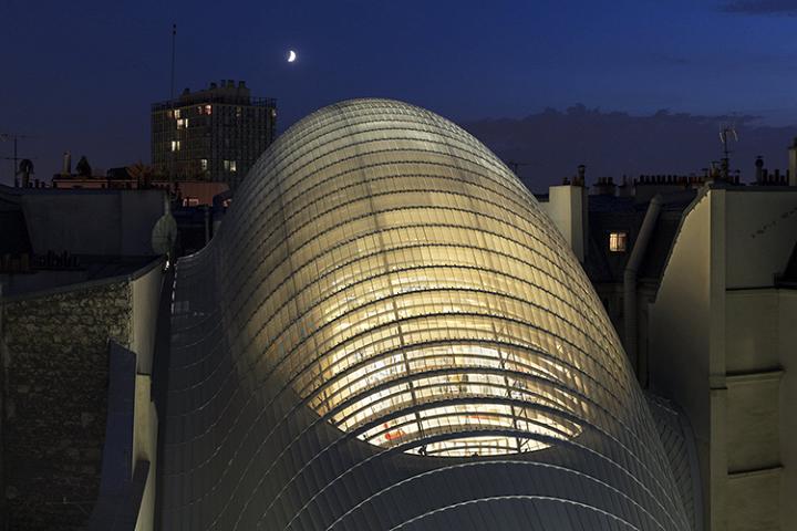 Ограничения как источник вдохновения. Здание Фонда киностудии Pathé в Париже (2014)