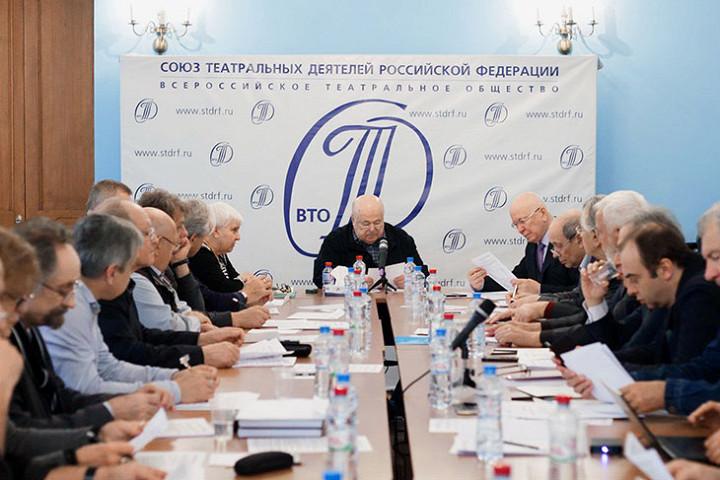 Заседание Союза театральных деятелей, его глава Александр Калягин — в центре