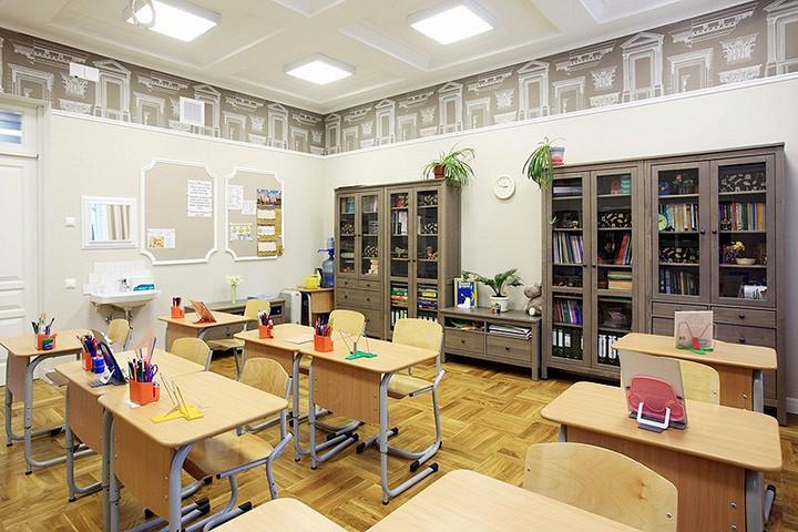 Одна из лучших частных школ Москвы, Школа сотрудничества, действительно сотрудничает с МГУ, РГГУ, «Бауманкой» и другими вузами