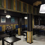Ресторан OMG Bar & Kitchen - фотография 2