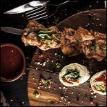 Ресторан Джонджоли - фотография 3 - Шашлык из куриного бедра