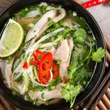 Ресторан NVB - фотография 2 - Традиционный вьетнамский суп Фо Га с курицей