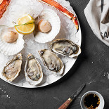 Ресторан Friendly Crab Seafood & Wine - фотография 4