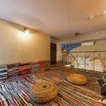 Ресторан Дымок & Уголек - фотография 2 - Chill out зона на втором этаже