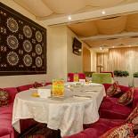 Ресторан Дюшес - фотография 2 - Основной зал