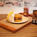 Ресторан Bear Burgers - фотография 1