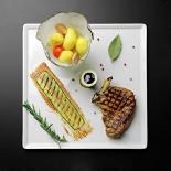 Ресторан Pool Bar & Grill - фотография 1 - Свиная корейка, сейчас подаётся с копчёным пюре картофеля и соусом из солений с горчицей.