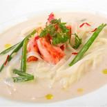 Ресторан Амстердам - фотография 1 - Кокосовый суп с мясом камчатского краба