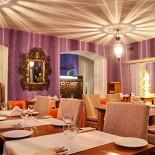 Ресторан Одеяло - фотография 2 - Сиреневый зал