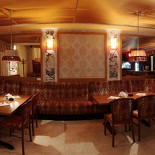 Ресторан Delamo - фотография 6 - Уютная диванная зона! Отлично подойдет для организации приветственного фуршета.