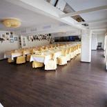 Ресторан Хоум - фотография 2 - Банкетный зал - панорамные окна, до 60 человек, караоке.