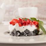 Ресторан Borgato - фотография 5 - Клубничный тартар