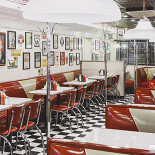Ресторан Starlite Diner - фотография 2