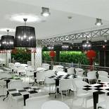 Ресторан Грабли - фотография 4 - А это 2 этаж Граблей на Тульской, белоснежный интерьер. Прикольно!