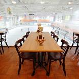 Ресторан Козловица - фотография 6 - Панорамный вид на хоккейную площадку