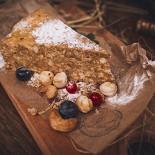 Ресторан Панаехали - фотография 6 - Настоящий муравейник с орешками