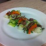 Ресторан Бугров - фотография 4 - салат с норвежской сельдью