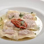 Ресторан Farina Bianca - фотография 1 - Равиоли с телятиной 350 руб.