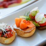 Ресторан Променад  - фотография 2 - Легкие закуски - тапасы