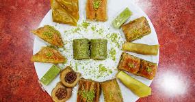 Кебаб, кефта, лахмаджун и пахлава: где в Москве искать настоящую турецкую еду