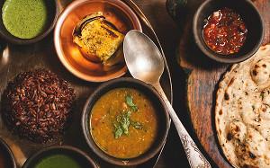 Карри, чатни, манго-ласси: где в Москве едят индийцы