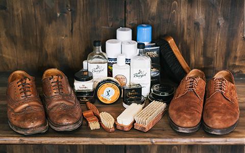 Как правильно ухаживать за обувью в слякоть и дождь: идеальный пошаговый гид