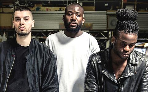 «Мы верим, что наша музыка особенная»: Young Fathers о СМИ и новом альбоме