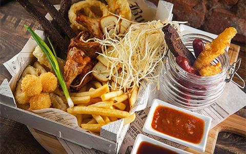 Blacksmith Irish Pub: добротная еда в выдающемся заводском лофте