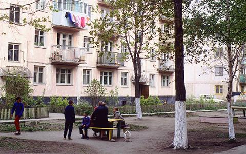 «Тонкая серебристая нить» Полины Жеребцовой: детская проза о чеченских войнах
